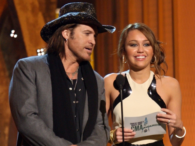 Billy Ray Cyrus' Twitter Plea To Miley: 'We R Countin On U'