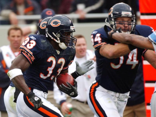 How Peanut Tillman Manages to Force All Those Fumbles