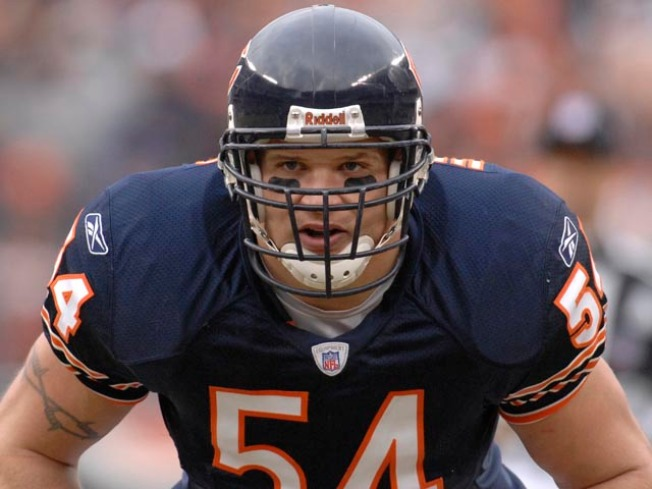 Brian Urlacher Wants to Play in Bears Opener