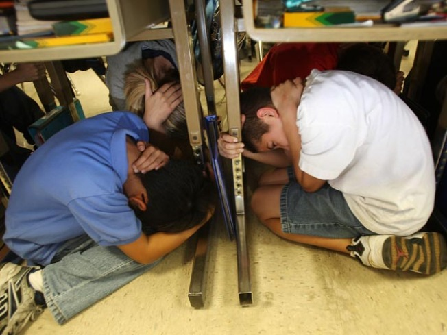 Illinois Takes Part in Earthquake Drill