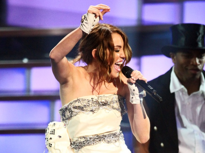 Miley Cyrus: New Record Breaks Away From 'Cookie-Cutter' Image