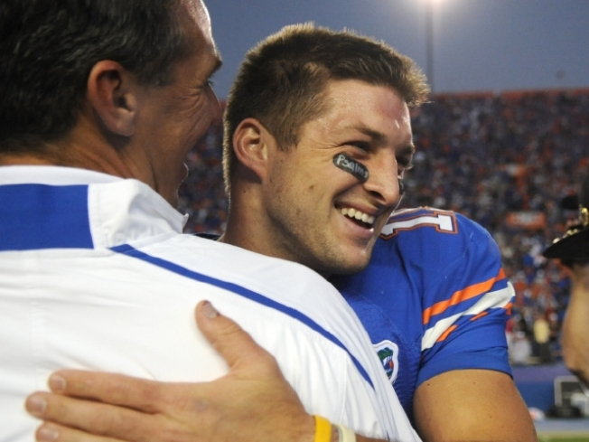 Tebow, Gators Go Out in Style