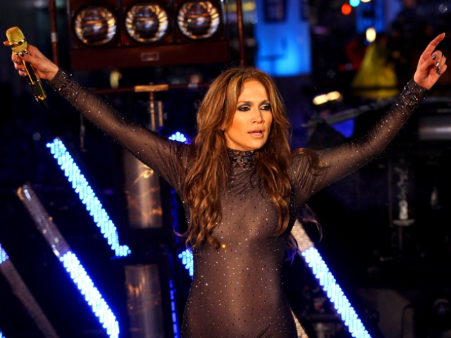 "Tidbits: J.Lo Too ""Traditional"" to Consider In Vitro"