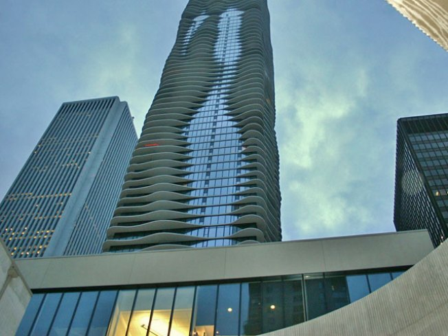 Aqua Named 2009 Skyscraper of the Year