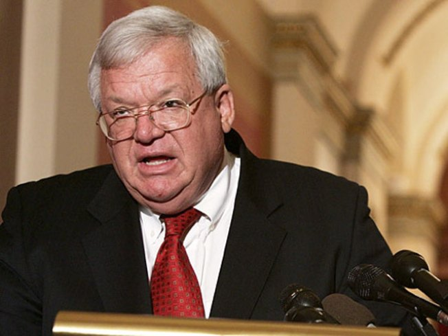 Former House Speaker Hastert Keeps Publicly Funded Office