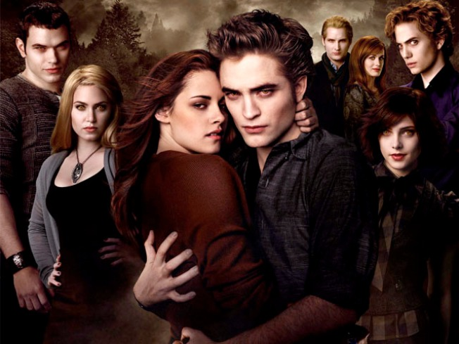 """New Moon"" Takes Bite Out of the Box Office"