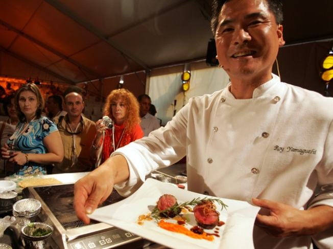 Iron Chef Brings His Knives to Chicago