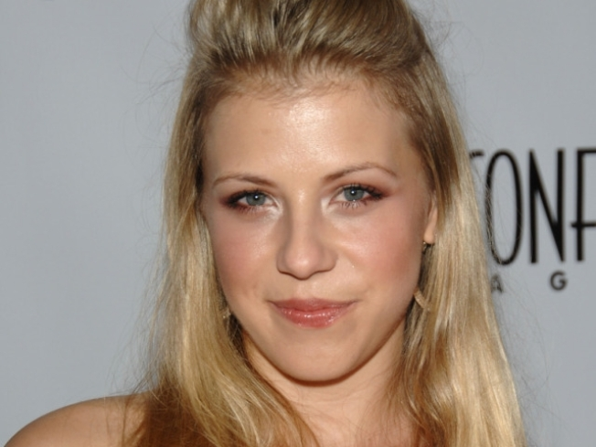 Former 'Full House' Star Jodie Sweetin Talks Addiction & Lindsay Lohan