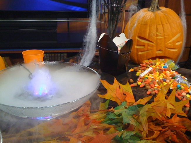 Pumpkin Fountain Sets The Tone For A Ghoulish Halloween Party