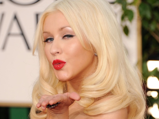 Christina Aguilera to Sing National Anthem at Super Bowl