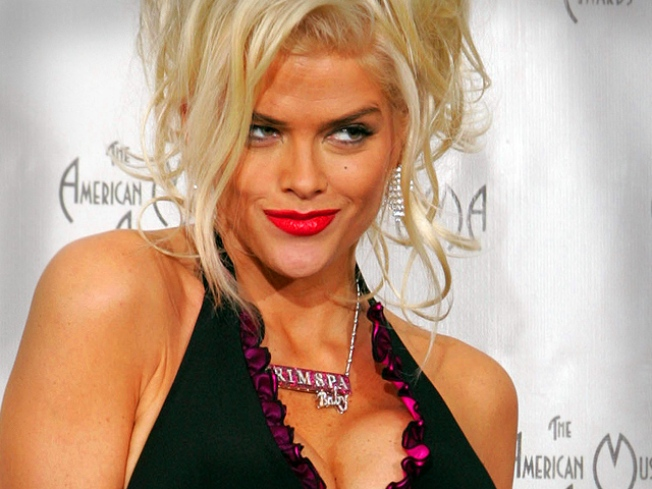 FBI Probed Anna Nicole Smith in Murder Plot