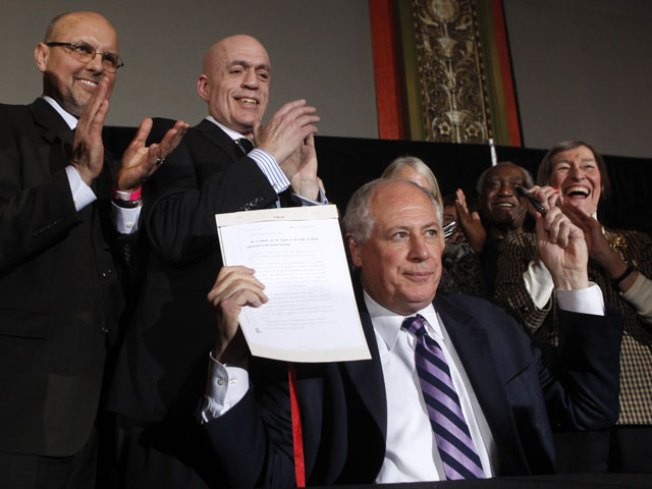 Quinn Signs Civil Unions Bill