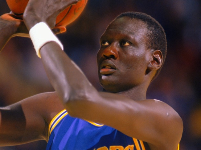 Manute Bol, NBA Star and Humanitarian, Dies at 47