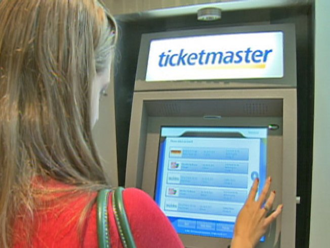 Broadway in Chicago Unveils Ticket Kiosk