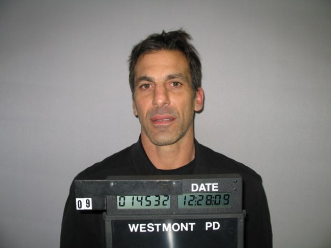 Chelios Could Beat DUI Charge