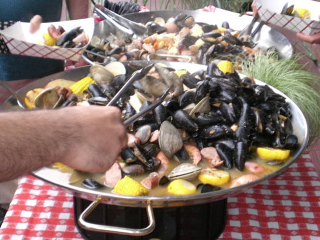 Tonight: Summer Clambake Series