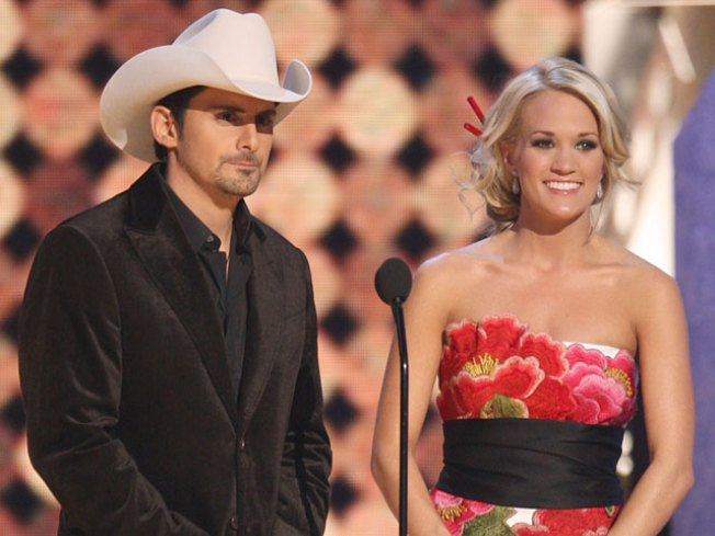 Carrie Underwood and Brad Paisley to Host CMA Awards
