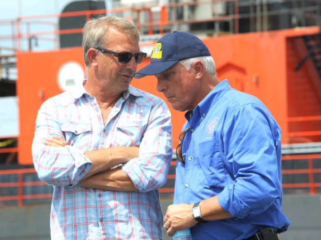 Kevin Costner Rides Oil Cleaning Machine to the Rescue in Gulf