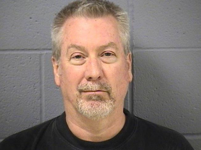 Drew Peterson Briefly Attends Mother's Wake
