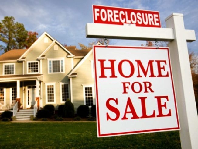 Illinois' Home Foreclosure Activity Falls