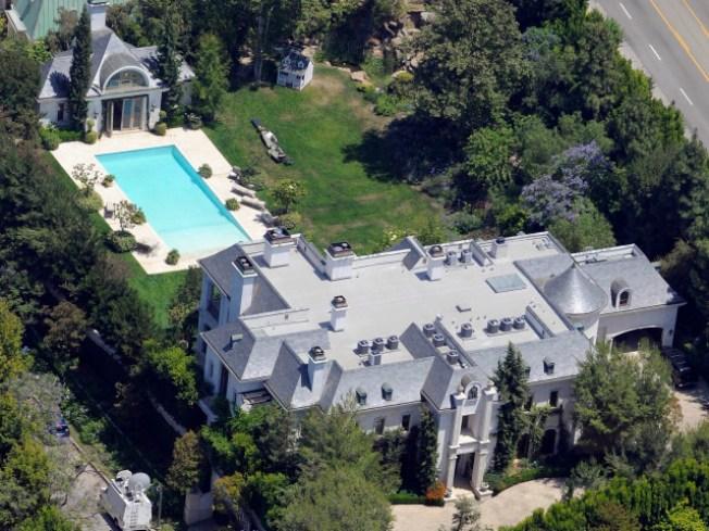 Designer to Move Into Jackson Estate
