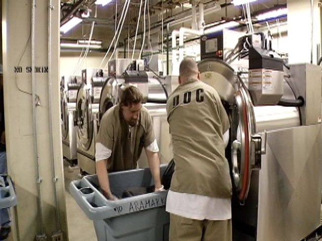 Jailed Vets Now Doing Inmates' Laundry