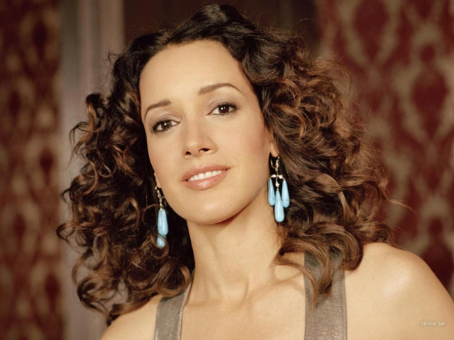 Jennifer Beals Wants Chicago To Recycle