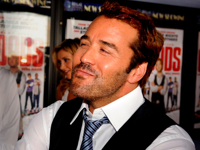 Piven Off the Hook for Broadway Bow-Out