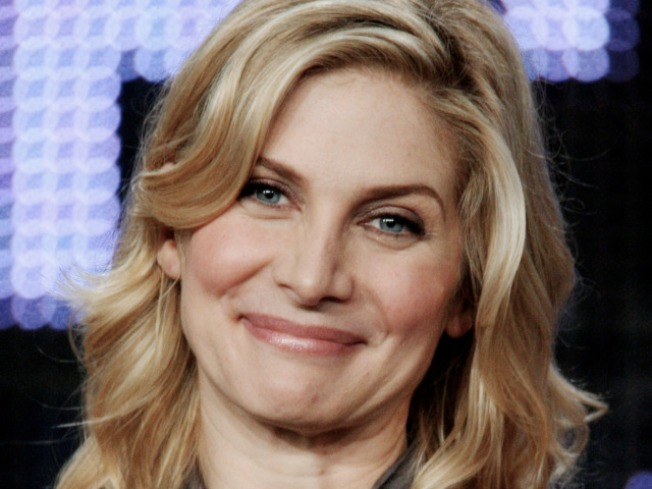 "Elizabeth Mitchell Talks ""Lost"" Future: ""I Am Going To Be Traveling To Hawaii More Than Once"""