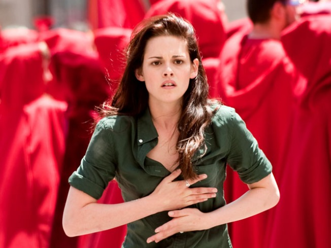 """""""New Moon"""" Exclusive: Director Says """"I Lied"""" About Deleted DVD Scenes"""