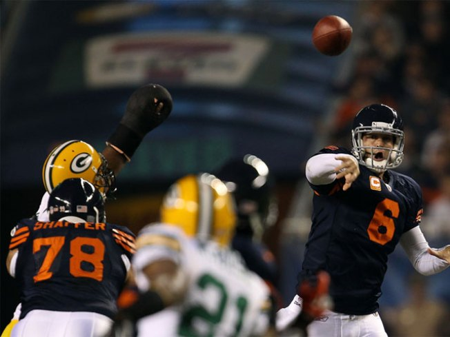 Bears Beat Packers in Thriller