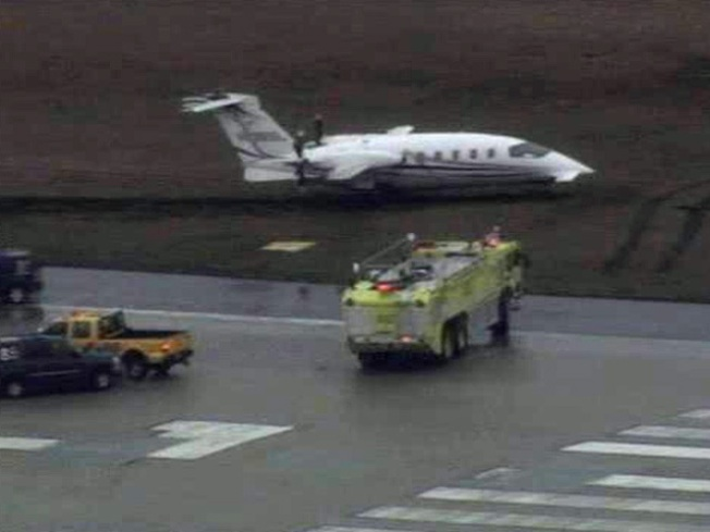 Plane Skids off Runway at Midway