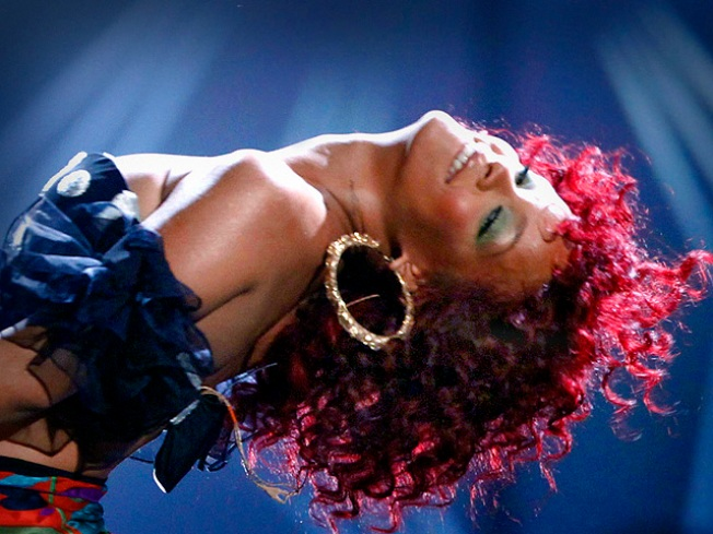 """Photographer Sues Rihanna For Copying Racy Frames in """"S&M"""" Video"""