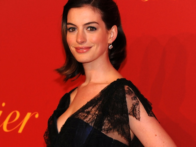 Anne Hathaway's Piping Hot Valentine's Day Plans