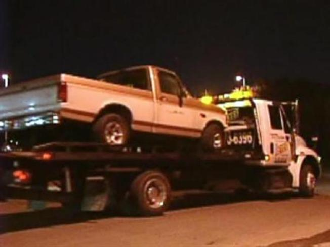 Vet Cop Requested Tow Truck Bribes: Feds