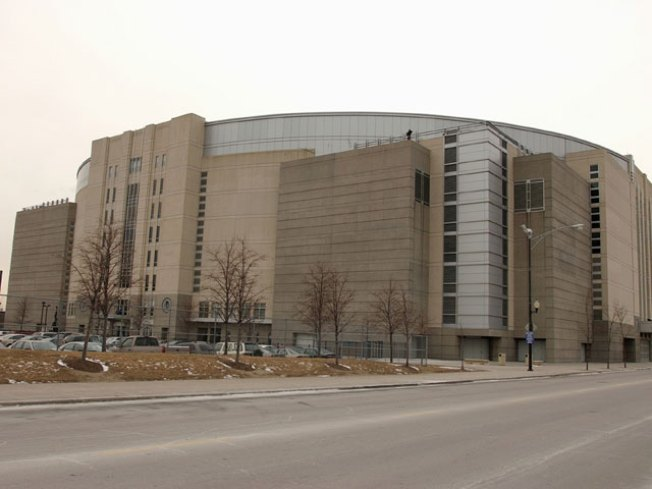 United Center Owners Propose Retail Expansion