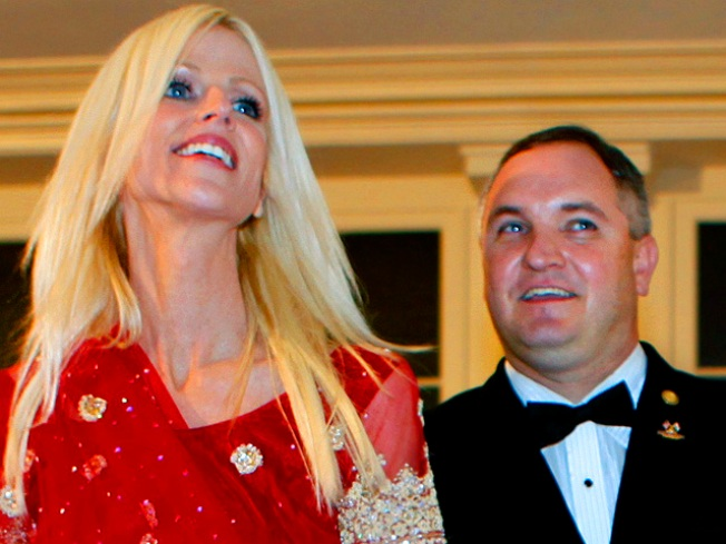 "White House Party Crasher Tareq Salahi Sues Estranged Wife for ""Public Humiliation"""