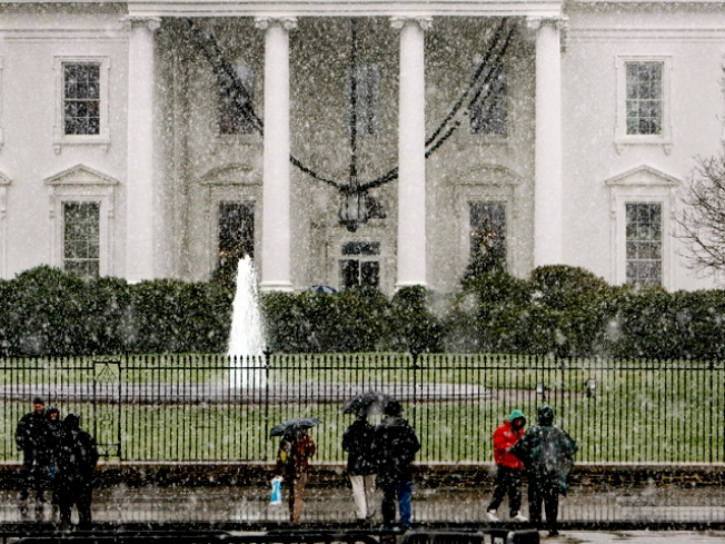 Obama is Sued For White House Visitor List