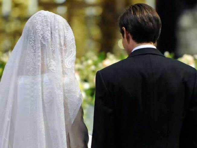 Jilted Bride Sues Groom With Cold Feet