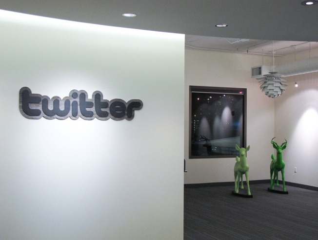 Yahoo Inks Deal With Twitter