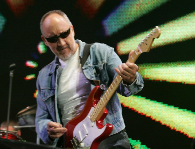 """Pete Townshend: """"It Was Nice"""" To Be Part Of Super Bowl"""