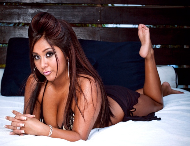 "Snooki's New Novel Will ""Shore""-ly Mention Abs, Tequila & ""Badonks"""
