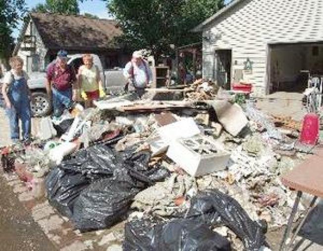 Iowans Take Out the Trash