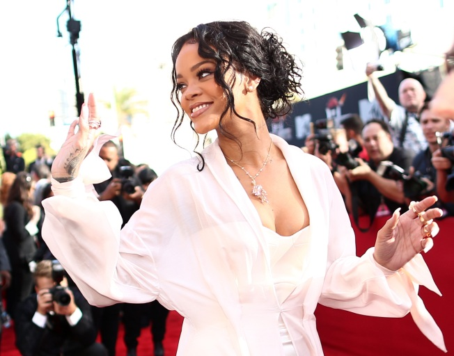 Rihanna, Zac Brown Band Headline Final Four Concerts