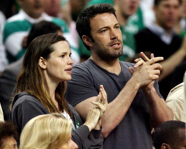 Man Held for Allegedly Stalking Actress Jennifer Garner
