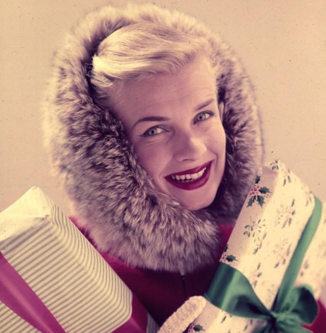Need Something Fabulous? Shop the Modern Vintage Holiday Market
