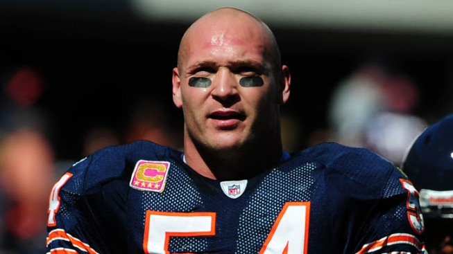 Brian Urlacher's Ready to Play, But Will Injured Knee Let Him?