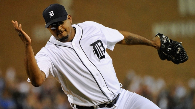 Tigers Pounce on Rangers, Win Game 3