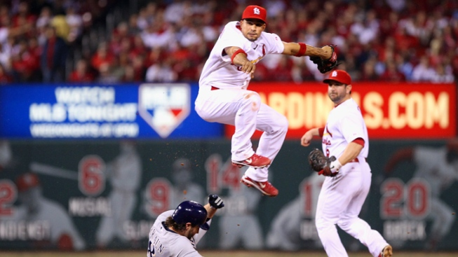 Cardinals Hold Off Brewers, Take 2-1 NLCS Lead