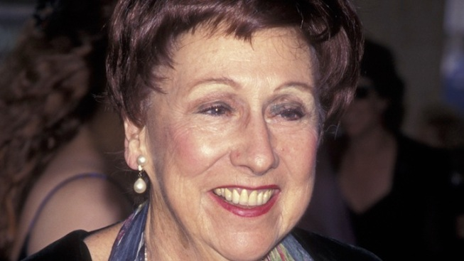 Hollywood Mourns Jean Stapleton